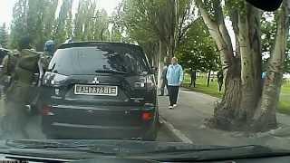 9 мая, стрельба в Донецке на профилактории 'Шахтерские зори' (новое видео)(09.05.2014., 2014-05-10T20:43:34.000Z)