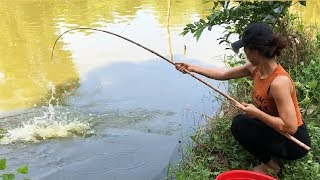 Best Girl Fishing GIANT Catfish with Survival Skills