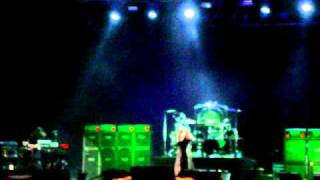Ozzy Osbourne-Suicide Solution (live in Bucharest, Romania-2 oct 2010)