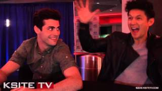 MALEC! Matthew Daddario & Harry Shum Jr. at WonderCon - Shadowhunters