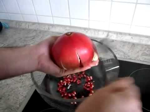 Pomegranate Pomegranate: How To Cut Open a Pomegranate - Secret Pomegranate opening Trick