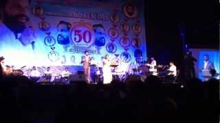 Download Hindi Video Songs - Malare kurinchi by Vijay Yesudas & Nirjaany