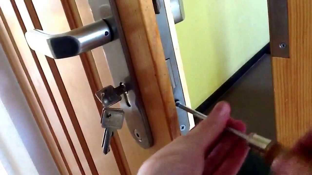 türschloss auswechseln - schließzylinder wechseln - youtube
