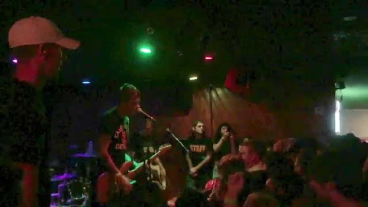 Leather jacket joyce manor lyrics - Joyce Manor The Jerk Live Yucca Tap Room Hd