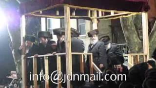 Wedding Einikel Pupa Rebbe Kislev 5771 - Kabolas Ponim & Chupa
