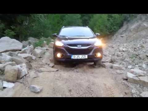 Off road on the lake valley of Iovan hyundai ix 35