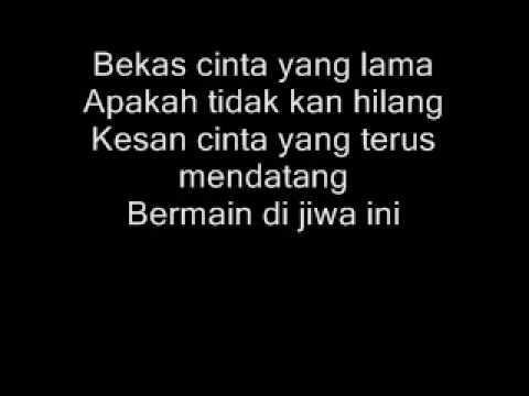 Setahun Sudah Berlaluwith lyrics