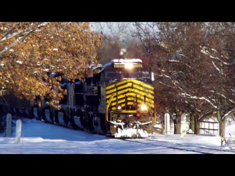 Railfanning a Snowy Day in Hickory NC