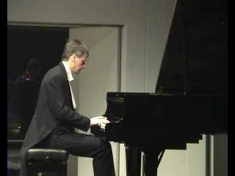 Andrei Pisarev plays Liszt - Sonata in B-minor (part 1)