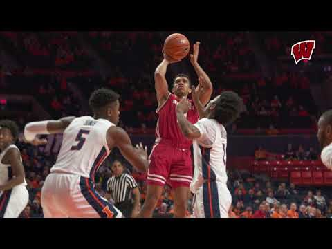 Reuvers' Career High 22 Points Leads Badgers to Victory over Illinois