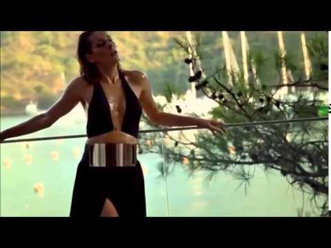 Funda Arar - Bağışla (2015) Yeni Video Klip