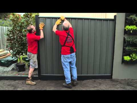 How To Install Colorbond Fence Panels - DIY At Bunnings
