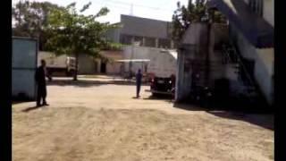 CASA DO TANQUEIRO - MANOBRA DE CARRETA BITREM