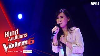 ปราง - เธอบอกให้ลืม - Blind Auditions - The Voice Thailand 6 - 12 Nov 2017