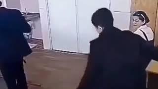 Видео парень отдал девушку другу