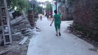 Tuấn Kiệt đã biết đi xe đạp   Tuấn Kiệt tập đi xe đạp phần 2   Bé tập xe đạp