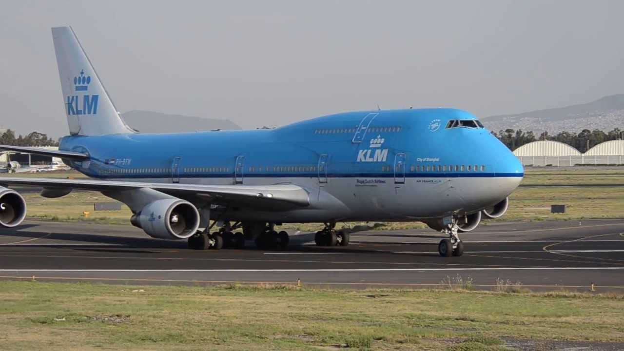 Boing 747 400 klm landing at mexico city youtube for Oficinas klm mexico