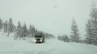 Колымская трасса. Метель и снегопад на перевале Лошкалах.