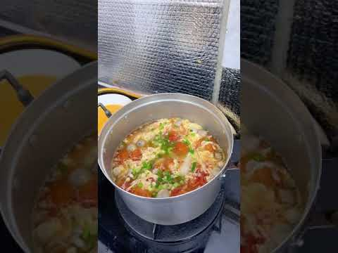 Bữa cơm đơn giản vẫn đủ chất dinh dưỡng: canh trứng và trứng cuộn