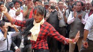 बैनीलाई लाग्यो चुनाब, काग्रेसको गीतमा कम्मर भाच्दै  || Energetic dance by Girl, Wami gulmi