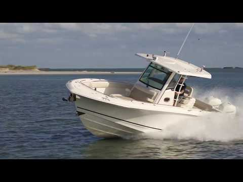 2019 Boston Whaler 330 Outrage Boat For Sale at MarineMax Wrightsville Beach, NC