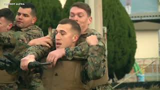 US Marines train martial arts to Japanese soldiers - Marine Corps Martial Arts Program (MCMAP)