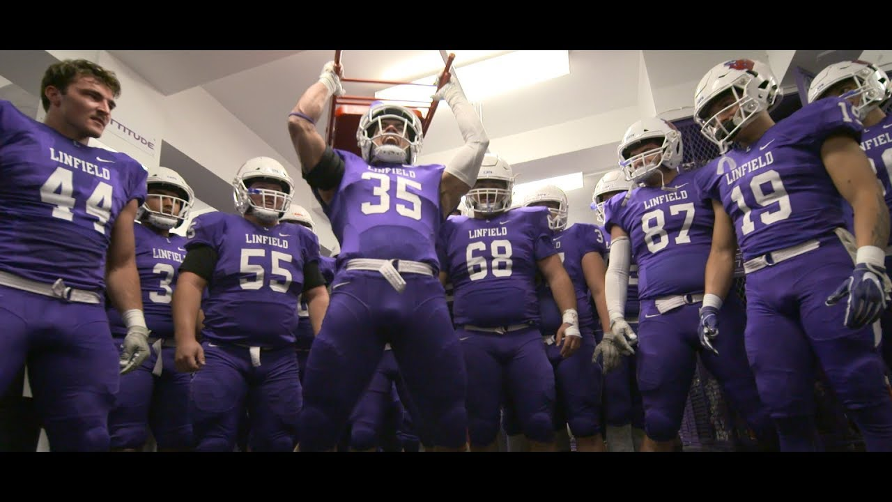 2019 Linfield College Football: Lewis and Clark Mini ...