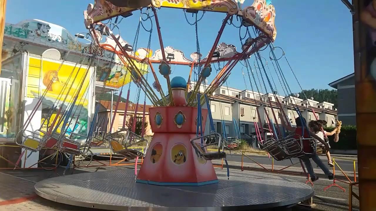 Seggiolini volanti o calcetta per bambini luna park for Giostra a catene