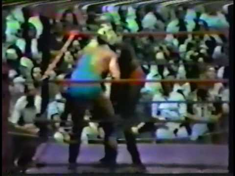 Terry Boulder (Hulk Hogan) vs. Sonny King [1979-08-25]