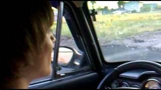 Андрей учится водить свою машину(Начинающий водитель учится делать первые движения рулём., 2011-01-13T00:07:14.000Z)