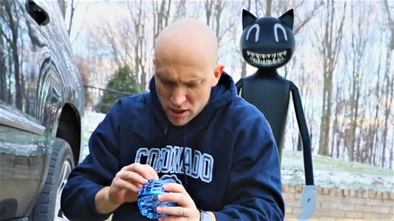 Cartoon Cat is Back And He Wants Our Flynova Pro!  Christmas Horror!