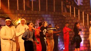 Repeat youtube video مشهد من مسرحية قصر دراكون من تصوير المصور زايد العنزي