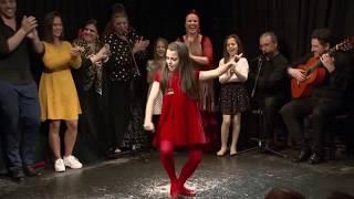 A stunning dance FLAMENCO