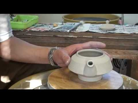 92. Throwing / Making a Flat Porcelain Teapot #3 with Hsin-Chuen Lin