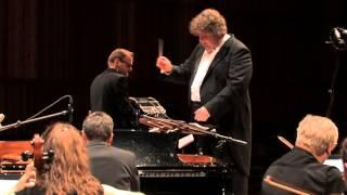 Tanguedia Quintet & Sinfonietta Lentua: Tres Minutos con la Realidad (Astor Piazzolla)