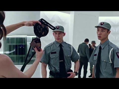 Wow  Keren,,!! Sampai Buka BH Di Depan Polisi ( Now  U Can See Me 2 ) Film Action