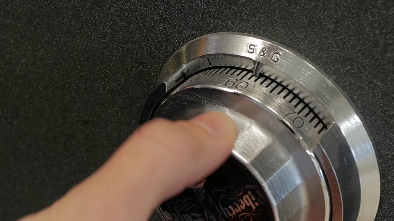 Liberty Safes - Mechanical Lock Use - Dialing Combination Video