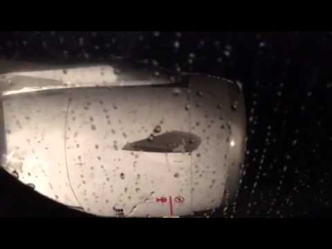 United Airlines A320 Takeoff SFO Airport In The Rain