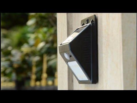 Светодиодный уличный светильник с датчиком движения.