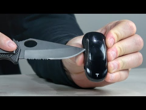 What's inside a Tesla Key?