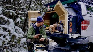 Off-Grid Winter Pickup Trขck Camping with My Dog / Sleeping in a DIY 2 Foot Camper Extension