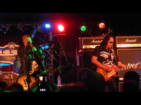 Ace Frehley/Anton Fig - Breakout {B.B.King's NYC 11/24/14}