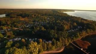 Naturcamping Zwei Seen - Kameraflug über den Campingplatz zwischen Plauer See und Großer Pätschsee