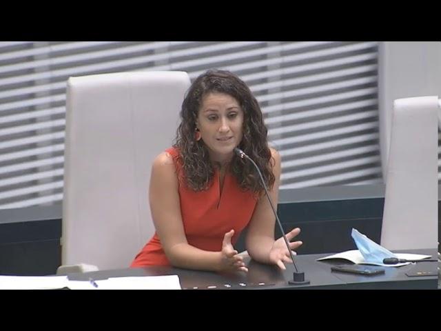 """Enma López: """"Los mercadillos son el único sitio donde pueden comprar las familias más vulnerables"""""""