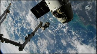 Dragon CRS-16 Release & Departure (time lapse)