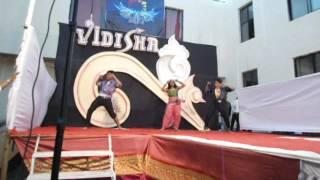 Repeat youtube video Amit Kane with Students @ Vidisha 2014 Group dance (Hi poli sajuk tupatali) Marathi song