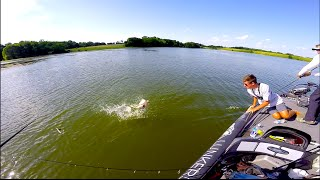 ITS A BIG ONE! -- Texas Bass Fishing VLOG no. 3