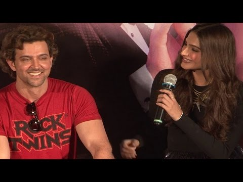 Sonam Kapoor FLIRTS with Hrithik Roshan | UNCENSORED VIDEO