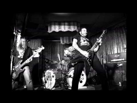Dixie Witch - On The Hunt (Lynyrd Skynyrd Cover)