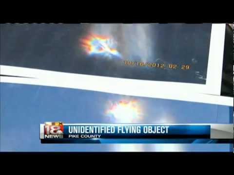 STRANGE ROD SHAPE UFO OVER PIKE COUNTY KENTUCKY USA 16TH OCTOBER 2012